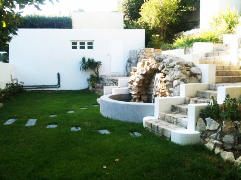 Cr ation d 39 un jardin contemporain exotique marseille for Creation espace vert